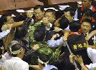 taiwan-parliament-fight 4.jpg